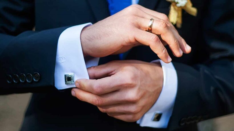Tips To Buy The Most Suitable Engagement Ring For Your Man