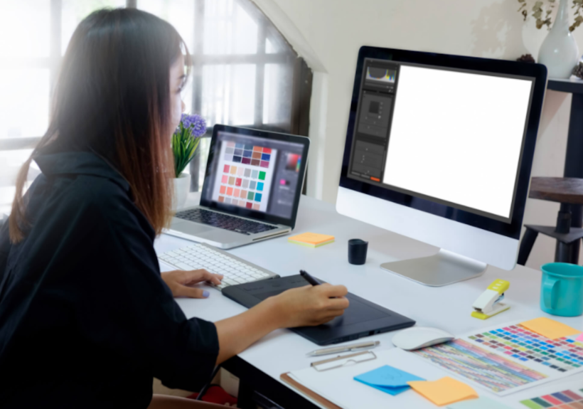 How do I start as a freelance graphic designer?
